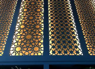 azury-dekoracyjne-3d-orientalne-wzory-ażurów-arabskie-ażury-ściana-ażurowa-designerska-ściana-świecąca-ściana-producent-ażurów-decopanel