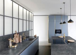 Beton architektoniczny jako blat w kuchni