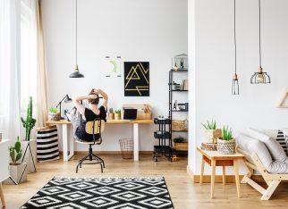 bialy-kolor-w-biurze-domowym