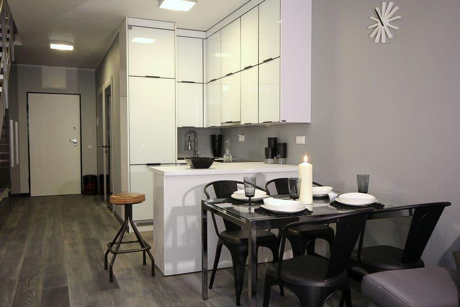 Nowoczesna biało czarna kuchnia w minimalistycznym stylu -> Kuchnia Bialo Czarna Brazowa