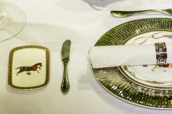 Dekoracja stołu w stylu glamour
