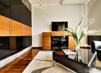 Apartament_Drewno_ikamien_zdjecie_aranzacyjne_1