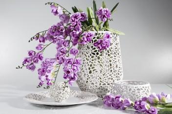 Jak udekorować stół na garden party?