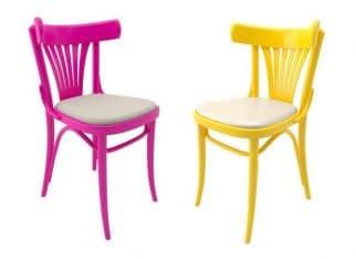 Kolorowe krzesła TON