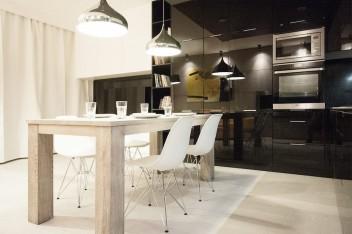 Czarne fronty w kuchni