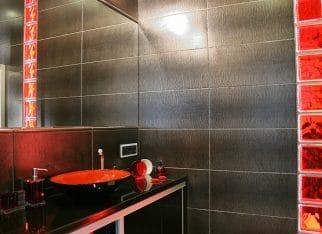 Aranżacja czerwono-czarnej łazienki