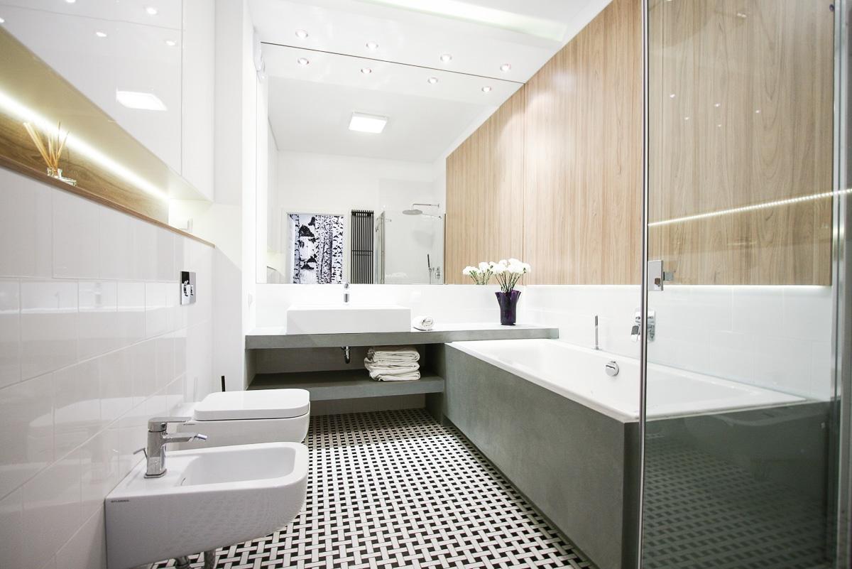 Przedstawiamy aranżacje łazienki z betonowymi płytkami w roli głównej!