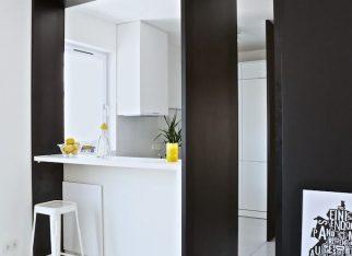 Żółte dodatki w kuchni salonie