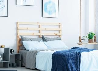 niebieski-kolor-w-sypialni