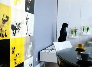 Salon z żółtym akcentem
