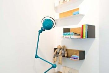 Oświetlenie strefy nauki i zabawy: lampa stojąca