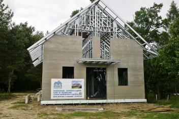 Budowa domu z konstrukcji metalowej