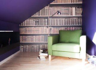 Biblioteczka w sypialni