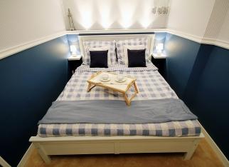 Sypialnia w wąskim pokoju
