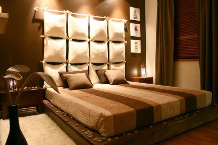 Brązy i beże czy czerń i szarości? Jakie kolory do sypialni wolisz bardziej?