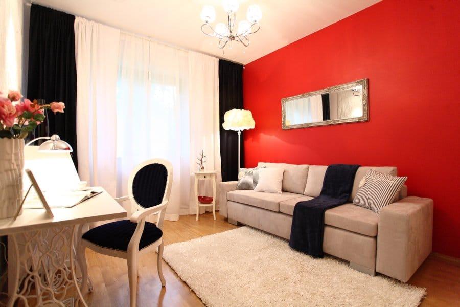 Biuro w domu powinno być urządzone tak, by pasowało do całości mieszkania. Zobacz nasze propozycje na domowy gabinet.