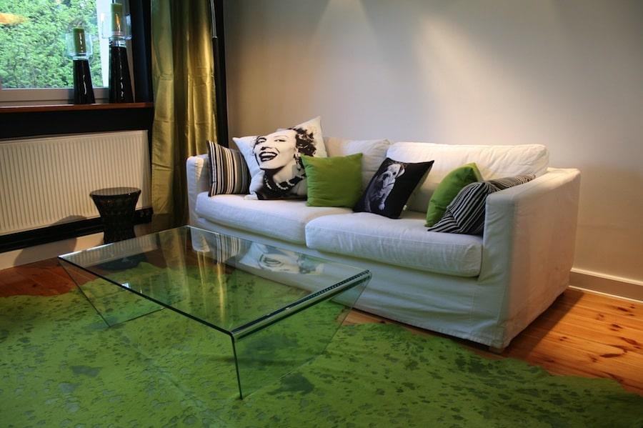 Dodatki w kolorze to doskonały sposób na zieleń we wnętrzu. Zajrzyj do galerii.