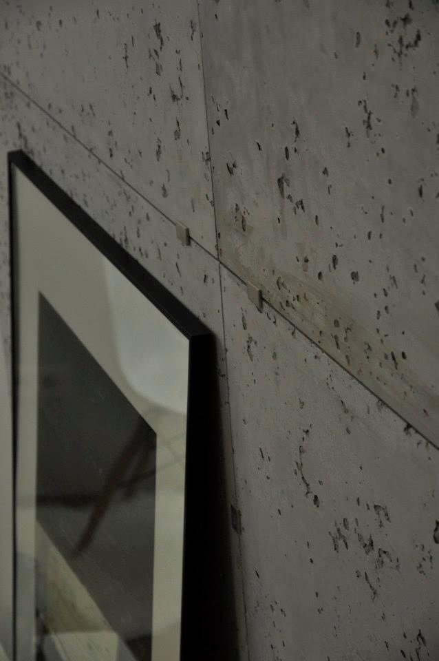 Jak zaaranżować wnętrze z betonem na ścianie? Zobacz nasz pomysł na aranżację.