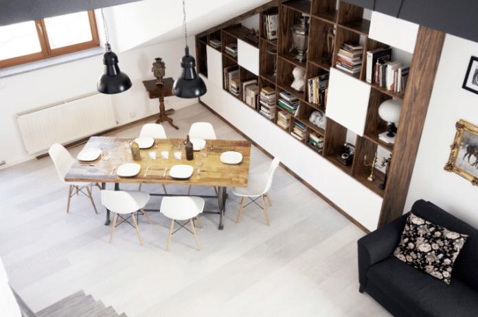 Jak zaprojektować wnętrze, żeby biblioteczka w salonie wpisywała się w jego wystrój? Sprawdź!
