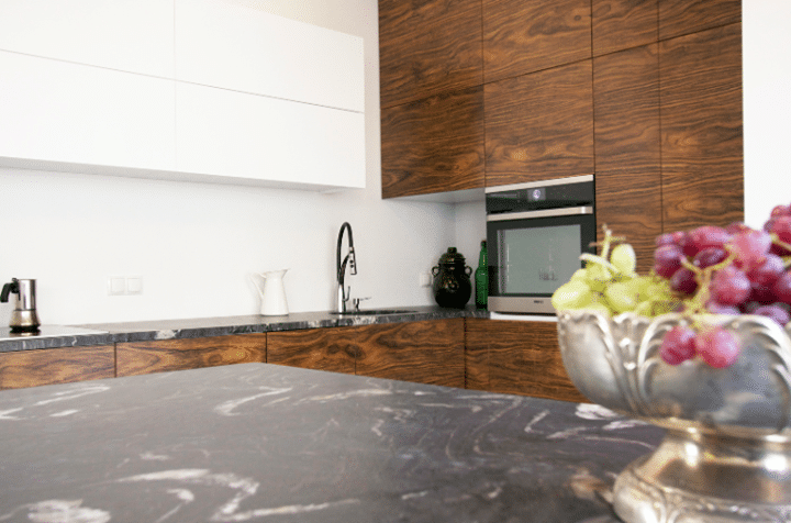 Kuchnia W Drewnie Plus Marmurowe Blaty Klasa Na Najwyzszym Poziomie