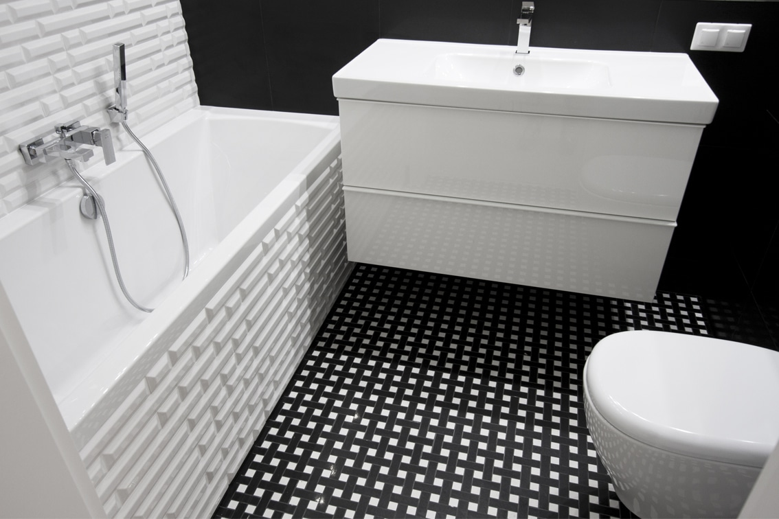 Mozaika w łazience sprawdzi się zarówno w małych jak i w dużych wnętrzach. Zobacz nasze aranżacje.