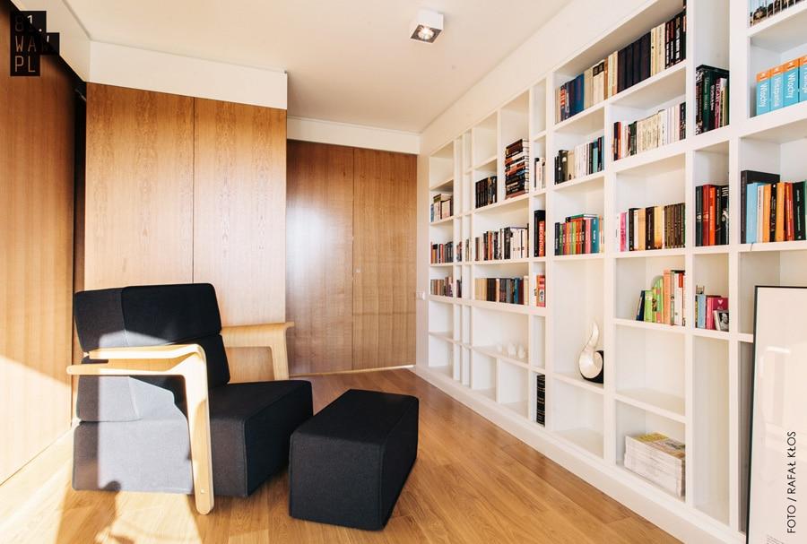 Aranżacja biura w domu nie jest wcale prosta. Zobacz, jak poradzili sobie z tym wykwalifikowani architekci.