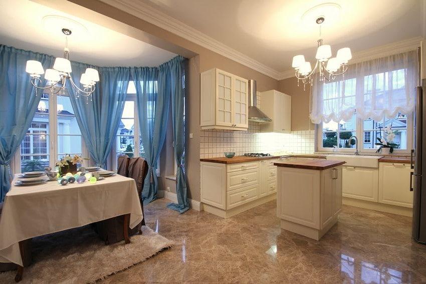 Podoba ci się ta kuchnia w stylu klasycznym? Więcej zdjęć znajdziesz w galerii.