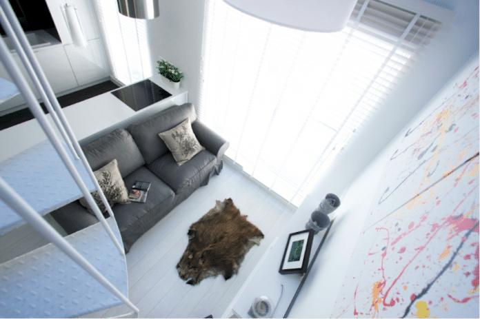 Jak powiększyć optycznie małe pomieszczenie - pomogą białe drewniane żaluzje!