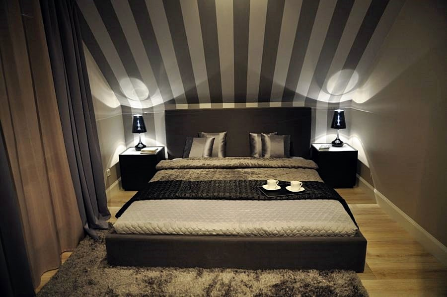Lampki nocne do sypialni - sprawdź jakie wybrać i gdzie je kupić?