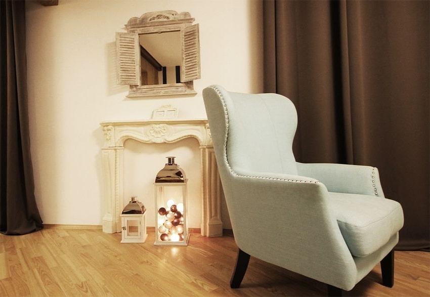 Dekoracyjne fotele w salonie to kropka nad i każdej stylizacji.