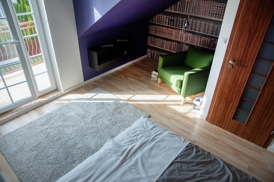Kącik do czytania w sypialni