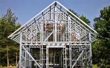 Budowa domu w systemie lekkiego szkieletu metalowego