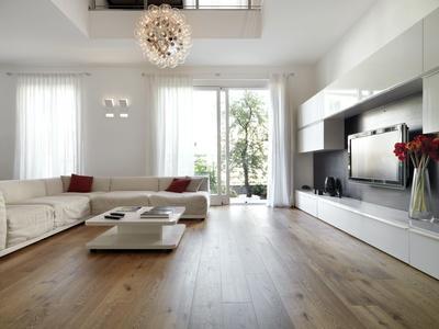 moderno soggiorno con porta finestra aperta sul giardino