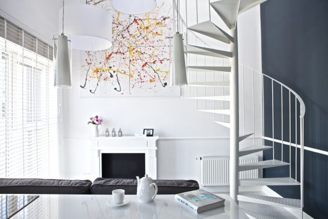 Male białe mieszkanie
