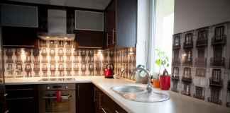 Płytki do kuchni należy wybierać rozważnie. Oto nowoczesna kuchnia w naszym wydaniu.