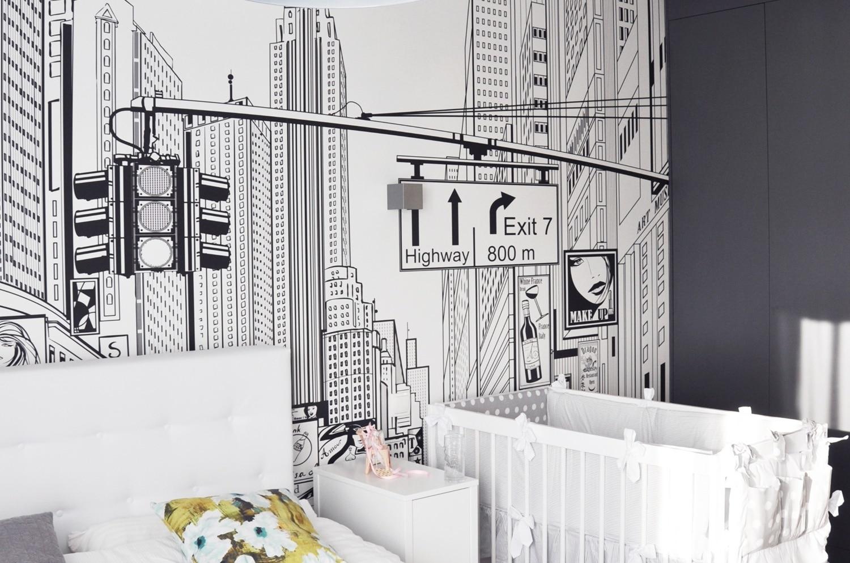 Szukasz ciekawego pomysłu na ozdobienie wnętrza? Zobacz jak wygląda komiksowa fototapeta w sypialni.