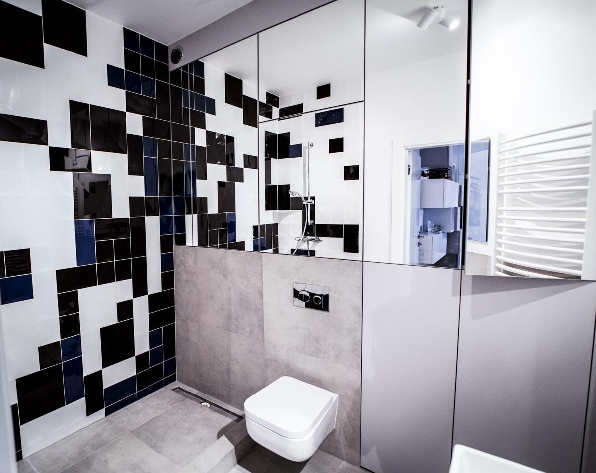 Mała łazienka to problem wielu mieszkańców bloków z wielkiej płyty. Zobacz jak ją urządzić.