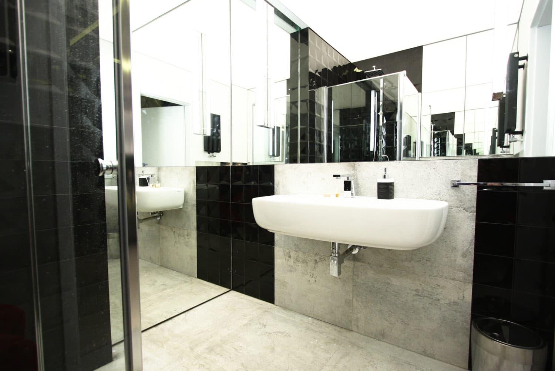Przedstawiamy Aranżacje łazienki Z Betonowymi Płytkami W