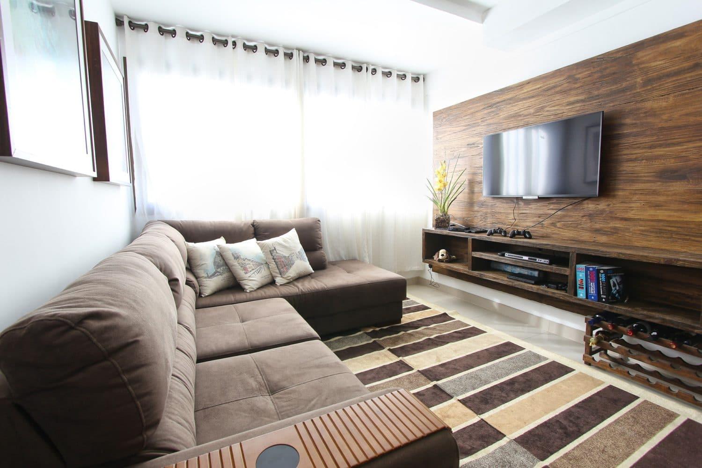 Zobacz, jak wybrać dywan do salonu.