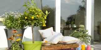 Radzimy, gdzie kupić dodatki i meble, a także jak powinna wyglądać aranżacja balkonu i tarasu.