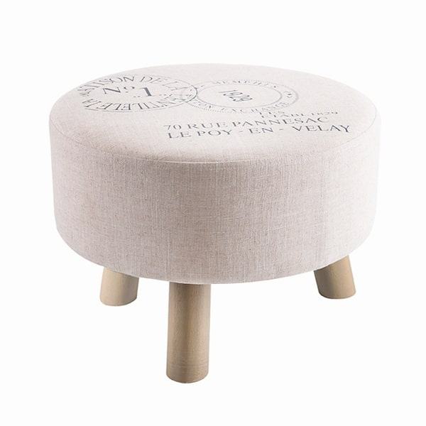Modny stołek-koziołek, który doskonale ociepli wnętrze każdego salonu. Zobacz, gdzie go kupić.