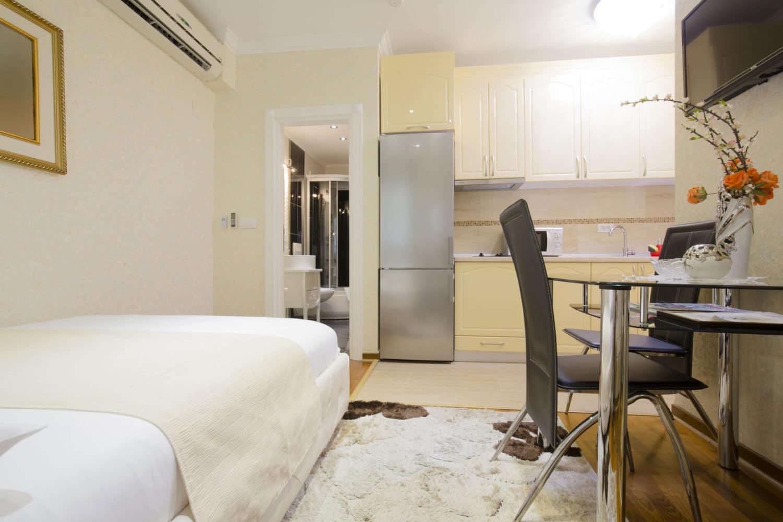 Małe mieszkanie nie musi być kłopotliwe. Zobacz, jak je urządzić.