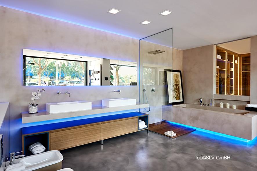 Szukasz lamp do łazienki? Zobacz, gdzie kupić dodatkowe oświetlenie do swojego wnętrza.