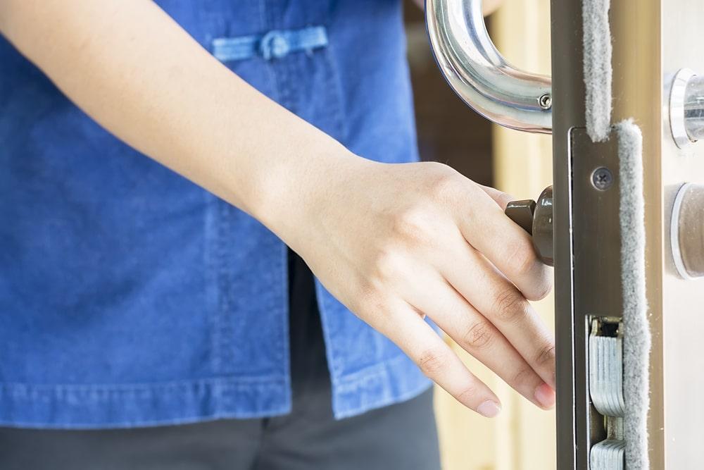 Jak wybrać odpowiednie drzwi wewnętrzne do swojego domu