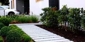 plyty-betonowe-w-ogrodzie-–-pomysly-na-ciekawe-aranzacje