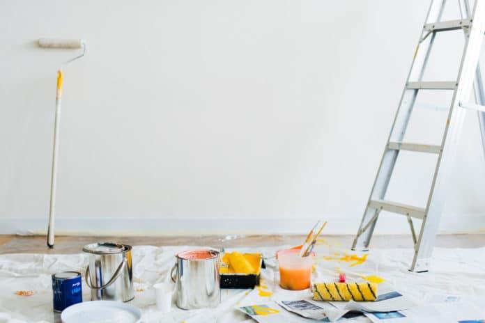 Jak oszczędzić przy remoncie mieszkania na kredyt?