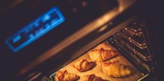 Jak czyścić piekarnik? Sprawdzone domowe sposoby