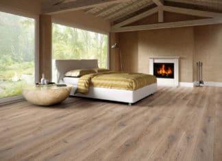 Jak powstają podłogi ręcznie postarzane?