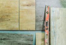 Płytki drewnopodobne nie tylko do łazienki