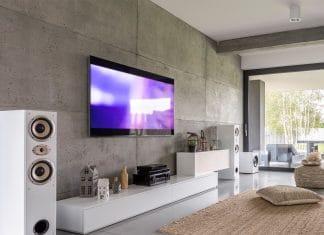 Imitacja betonu na ścianie telewizyjnej